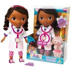 GIOCHI PREZIOSI   Bambola Dottie Dottoressa Pluche Alta 28 Cm Parla e Canta con la Voce del Cartone Animato - ccp90022